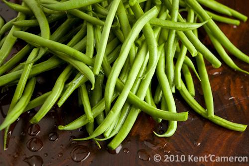 raw fresh green beans