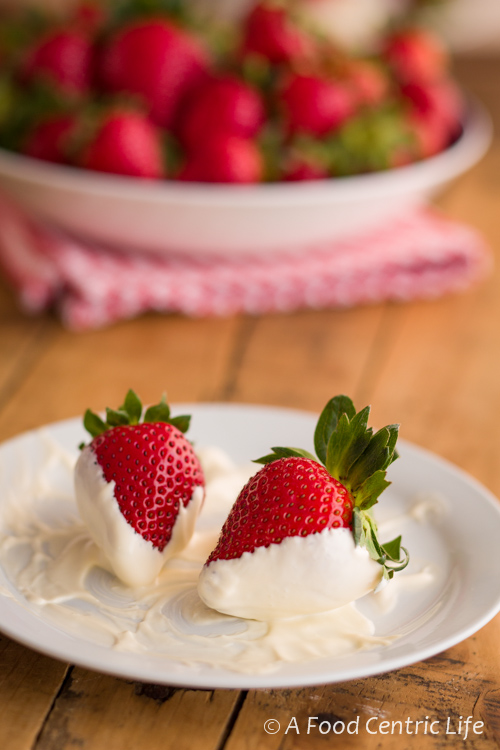 strawberries with sour cream