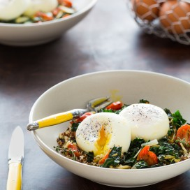 Poached Eggs with Quinoa and Kale|AFoodCentriclife.com